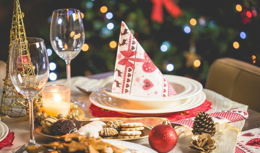 Pranzo di Natale 2020: novità decreto. Le 10 regole d'oro anti-Covid