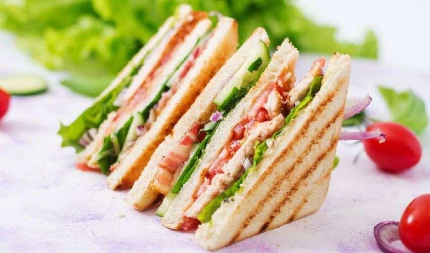 Club Sandwich Ricetta Originale Americana Ingredienti Freschi Strati The Italian Times