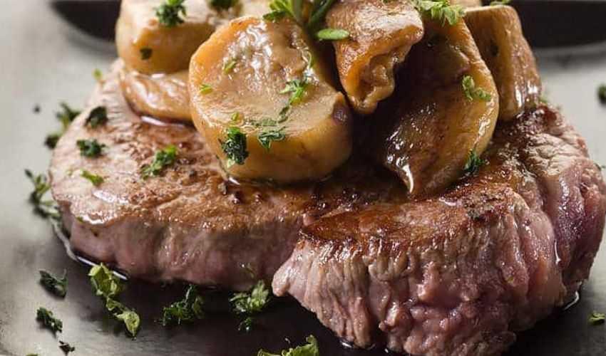 Filetto di manzo: ricetta Gordon Ramsay con funghi gratinati carciofi