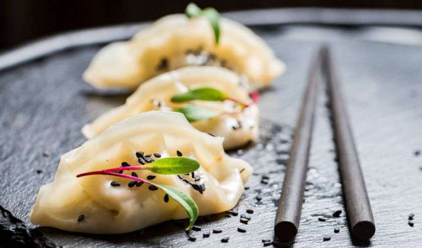 Ravioli al vapore: ricetta originale cinese con gamberi o carne