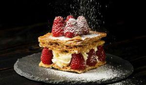 Millefoglie fragole e cioccolato bianco: ricetta di Gordon Ramsay