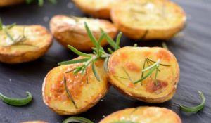 Patate al forno con doppia cottura: ricetta chef Gordon Ramsay