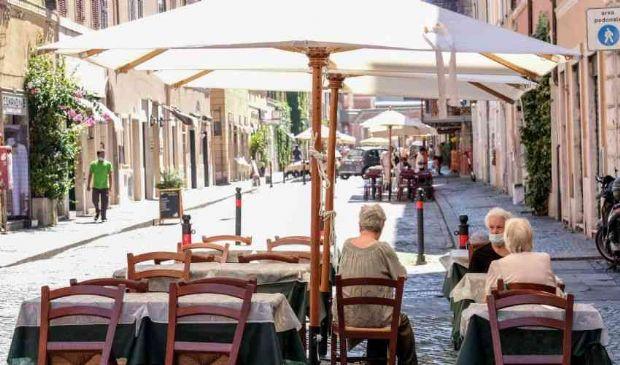 Il dramma del centro storico di Roma, tra turismo low cost e degrado