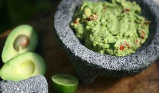 Ricetta Guacamole Messicana: salsa di accompagnamento con avocado