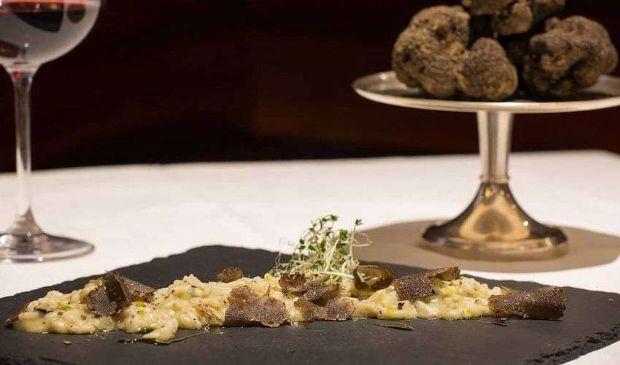 Risotto al tartufo bianco o nero: ricetta dello chef Bruno Barbieri