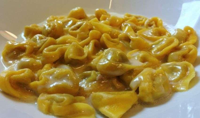 Tortellini in crema di parmigiano: ricetta Massimo Bottura