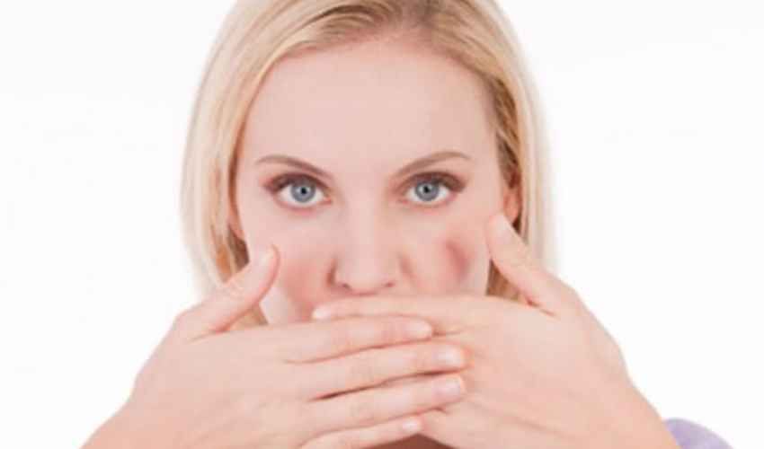 Rimedi alito cattivo: cause e sintomi Alitosi, cosa fare?
