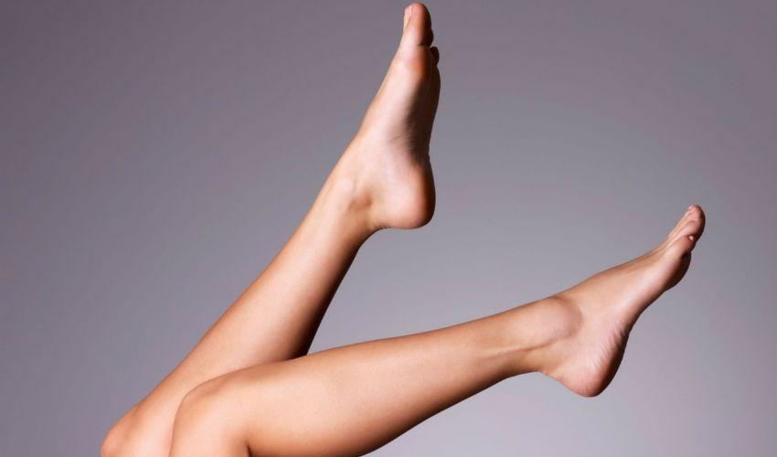 Calze spray: cosa sono, fondotinta gambe abbronzate costi e prezzo