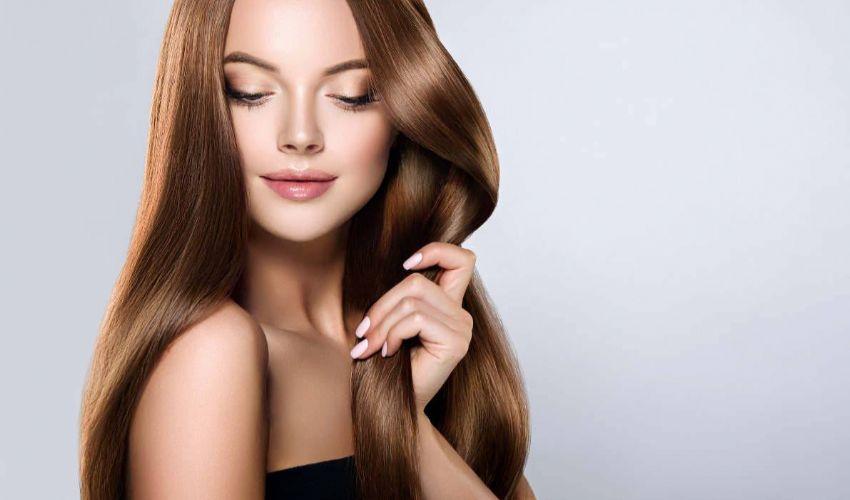 Come avere capelli lisci senza piastra, ecco 2 trucchi infallibili