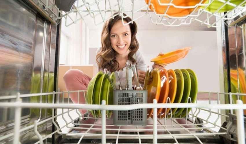Come pulire la lavastoviglie: 10 rimedi aceto limone bicarbonato