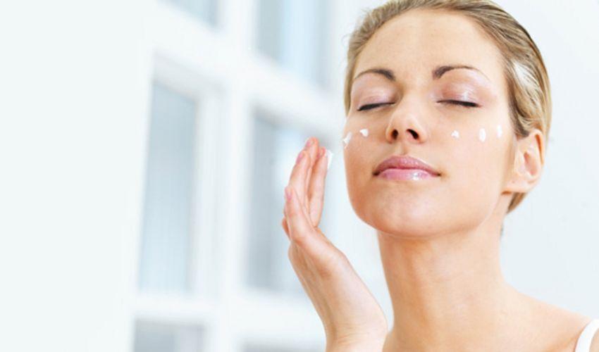Crema viso pelle grassa: bio economica da supermercato con buon INCI