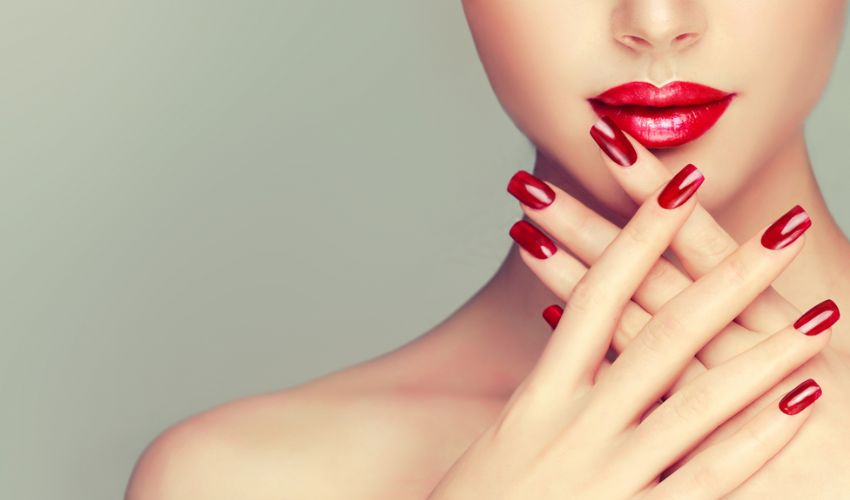 Manicure fai da te in casa: come avere unghie perfette in 6 passi