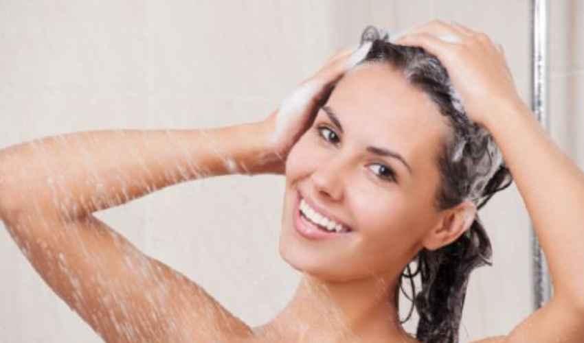Shampoo antiforfora: cos'è come funziona forfora secca e grassa