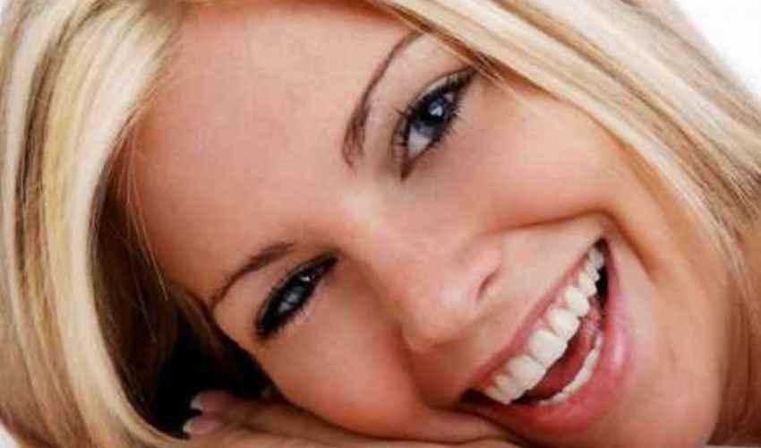 Smagliature sul seno: cause e rimedi per ridurle ed eliminarle