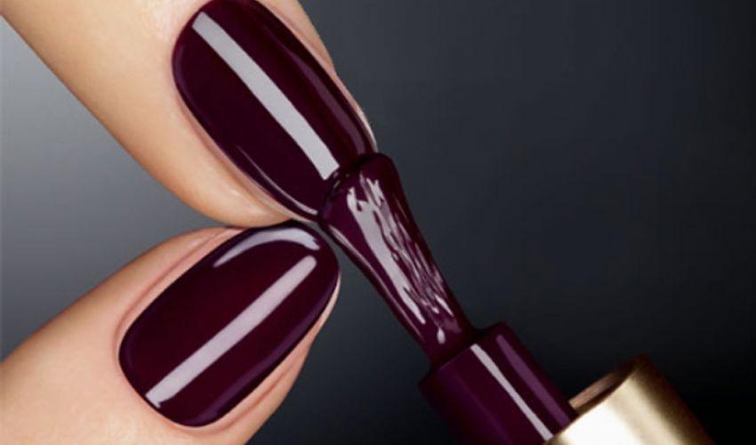 Tendenza unghie 2020: colore smalto, nail art, forma e manicure