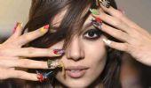Tendenze unghie 2021:  nail art inverno a specchio o mosaico
