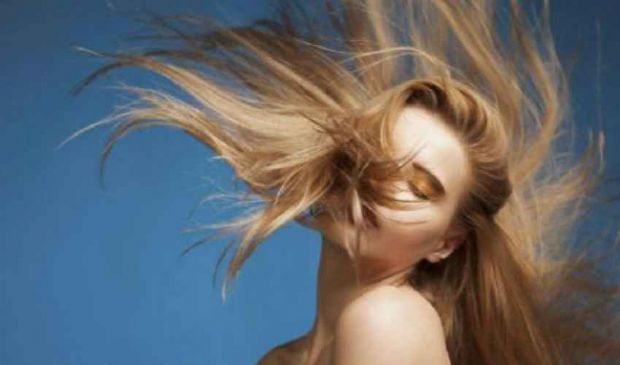 Capelli grassi, secchi o normali? Ecco come fare uno shampoo naturale