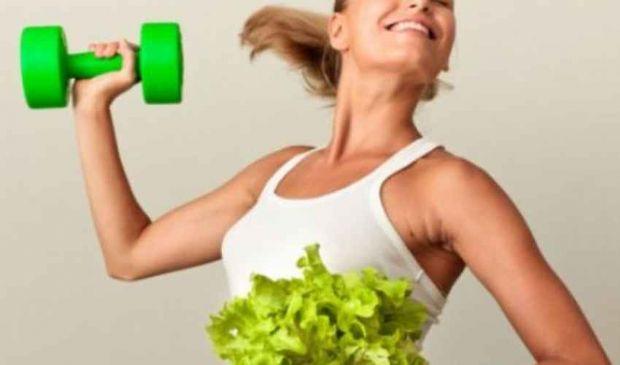 Cosa mangiare prima e dopo la palestra: per dimagrire o mettere massa