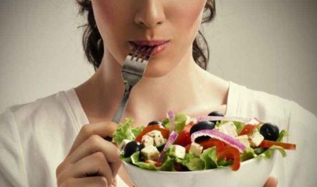 Dieta crudista: cos'è come funziona, fa bene o no mangiare cibi crudi?
