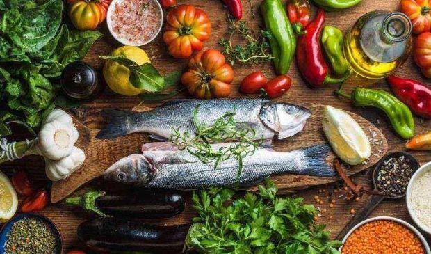 Le migliori diete del 2021: vince ancora la Mediterranea (con la Dash)