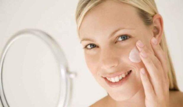Macchie della pelle: cause, rimedi naturali per prevenirle e curarle