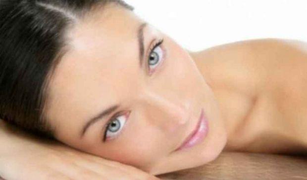 Pelle grassa rimedi naturali: maschera e tonico purificante bio