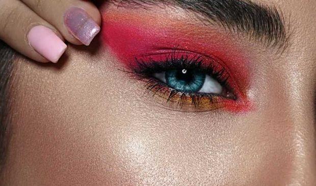 Tendenze make-up primavera estate 2021: occhi in primo piano
