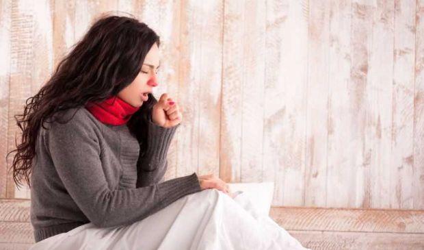 Tosse secca e grassa: come curarla? Ecco i migliori rimedi naturali