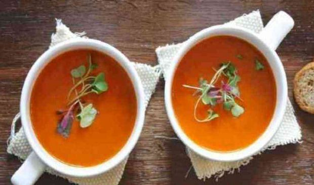Zuppa detox: spinaci carote verdure dimagrire velocemente depurarsi