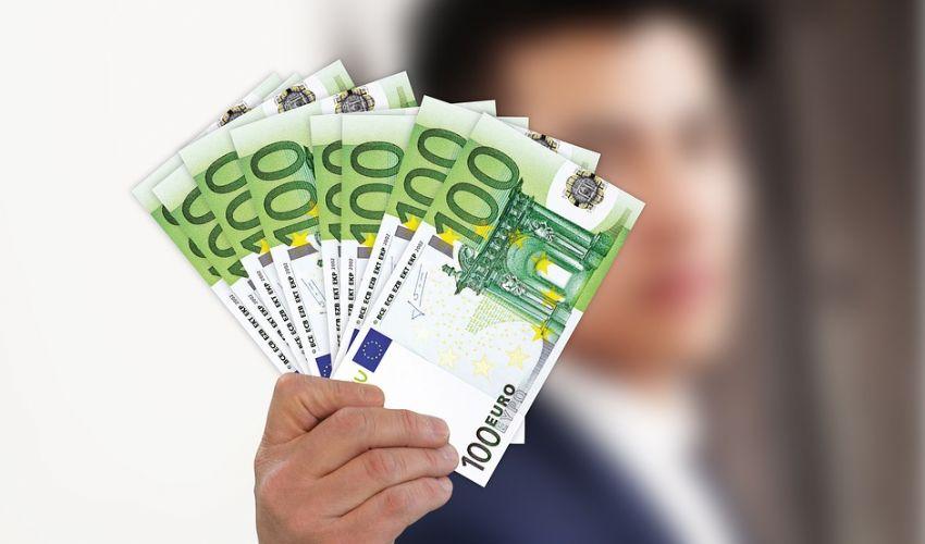 Bonus 1000 euro e 600 euro: a chi spetta a giugno e luglio, novità