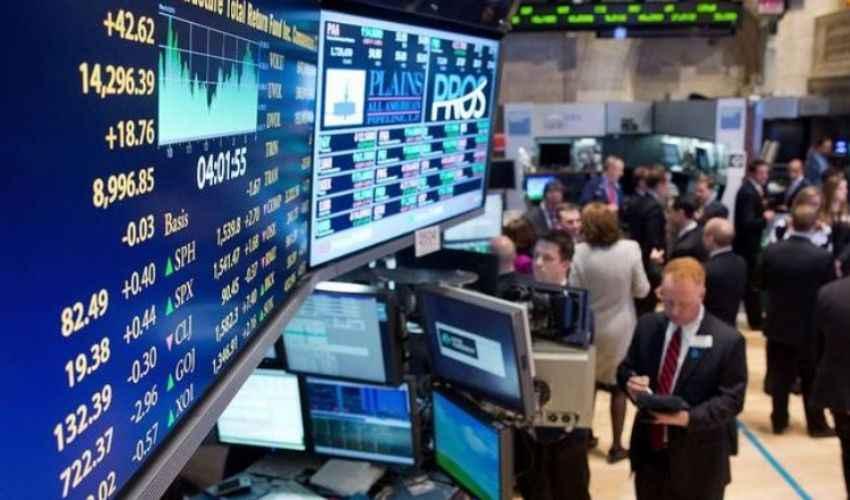 Borsa, Piazza Affari ancora giù, Ftse Mib è a -9% e spread aumenta