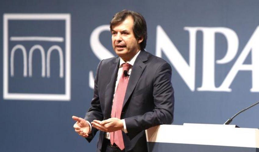 Carlo Messina schiera Intesa Sanpaolo a difesa di imprese e lavoro