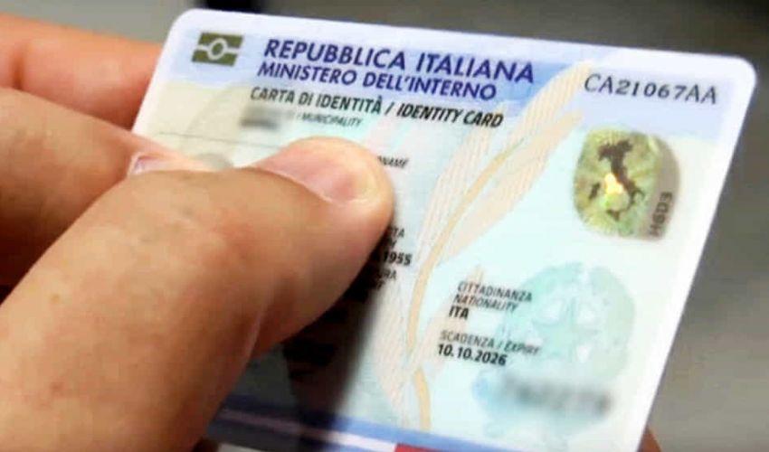 Carta d'identità elettronica: costo CIE, come richiederla, cosa serve?