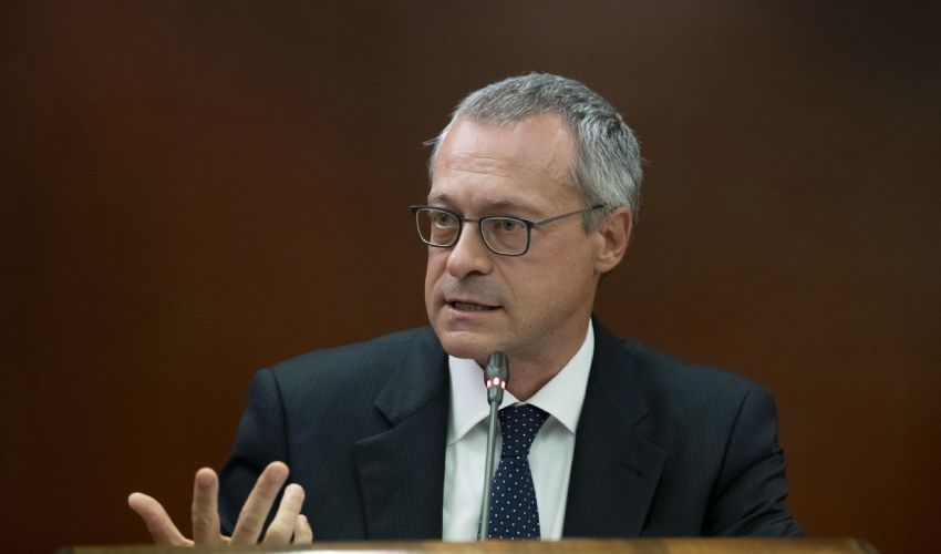 Confindustria, Bonomi a Draghi: no a proroga blocco licenziamenti