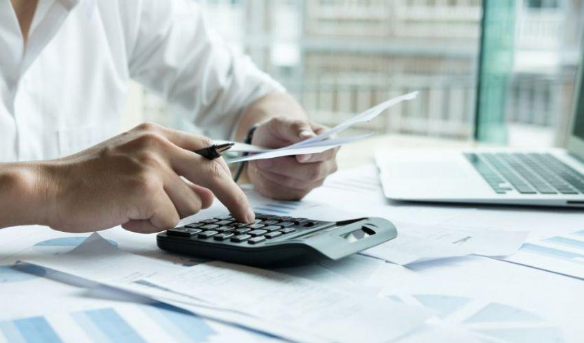 Domanda Fondo perduto 2021: credito d'imposta o soldi subito?