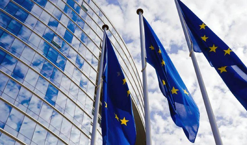 Europa in cambio del Recovery chiede crescita, riforma pensioni e Sud