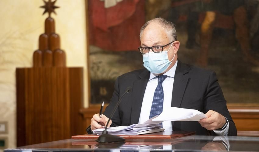 Italia verso lockdown soft. Gualtieri: aiuti imprese finché servirà