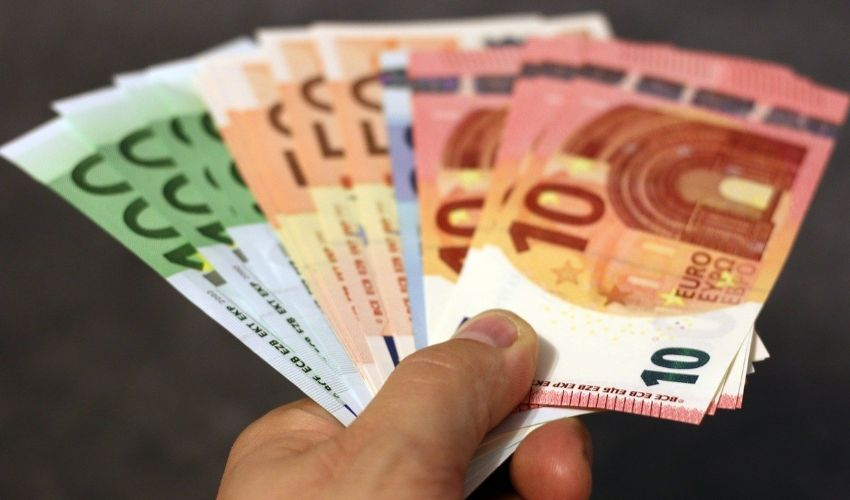 Bonus stagionali 2021: in arrivo il pagamento automatico Inps da 2400€