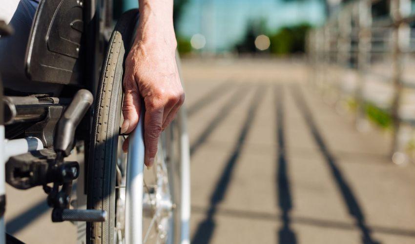 Pensione di invalidità civile 2020: cos'è requisiti, pagamento aumento