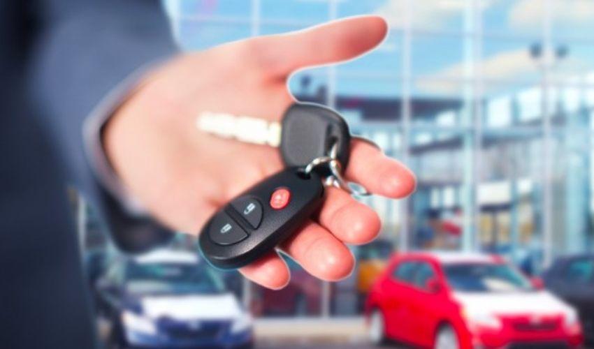 Spese noleggio auto 2020: limiti deducibilità e detraibilità IVA