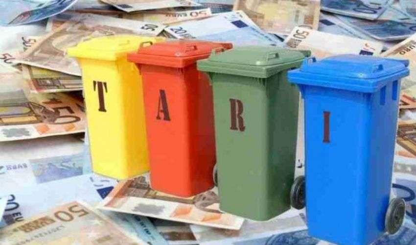 Tari 2020: calcolo tassa sui rifiuti, scadenza e nuovo bonus sociale