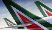 Alitalia: il nuovo piano industriale riduce gli aerei e i dipendenti