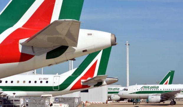 Alitalia, allarme stipendi: 6 mila dipendenti avranno meno di 500 euro