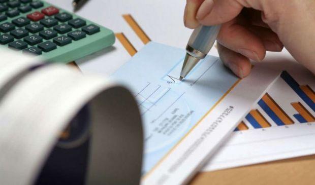 Assegno circolare: cos'è, come si compila, limite importo e costi