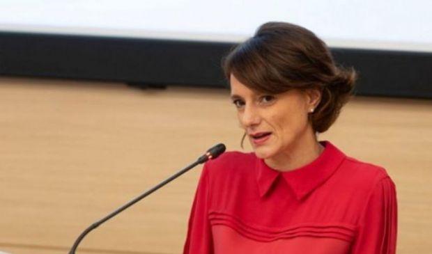 Assegno unico 2021, Bonetti: detrazioni fiscali figli over 21 anni