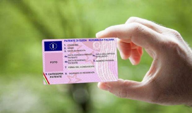 Bollo patente 2020: di guida B, nautica internazionale imposta 16 euro