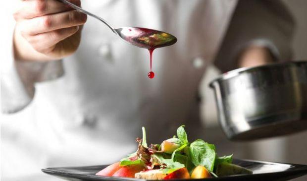 Bonus ristorante fuori dal DL Agosto, confermato bonus ristoratori