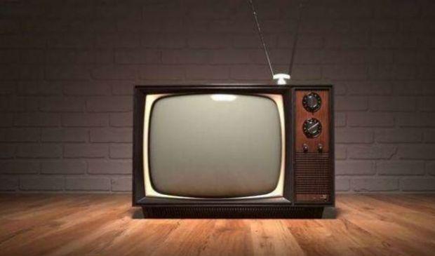 Bonus tv senza Isee da 100 euro: in arrivo regole decreto attuativo