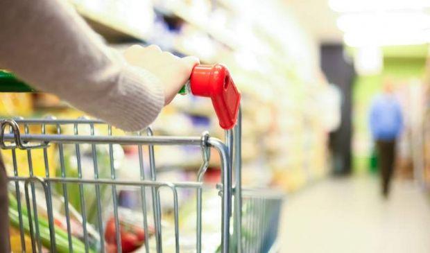 Istat, consumi in forte calo a maggio. Aumenta il disagio sociale