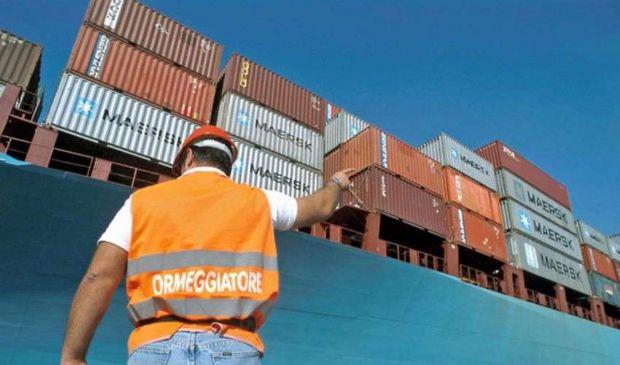 Istat, soffrono gli scambi con l'estero. Volano import beni sanitari